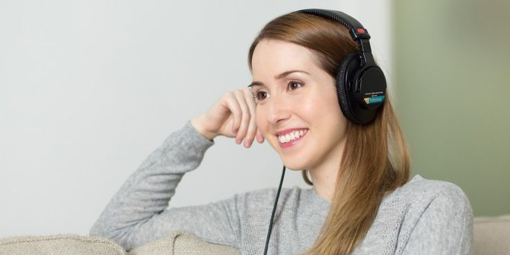 Are you using your #headphones safely? Read our #blog post about #safe usage of #headphones here: https://www.ooberpad.com/blogs/tips-and-tricks/quick-guide-to-using-headphones-safely 🎧 ✔ 👌 Please Repin.
