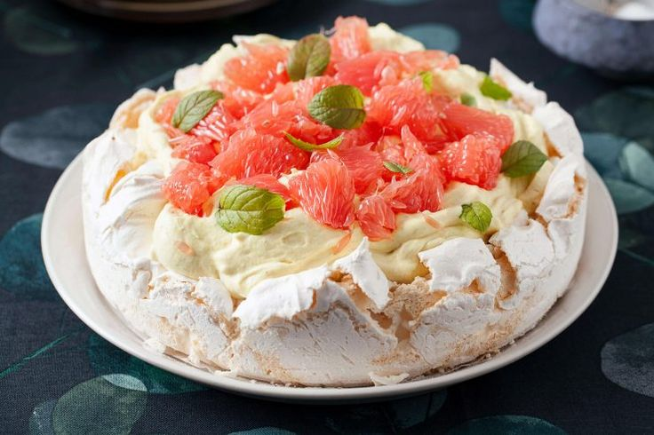 Beza z kremem mango, grapefruitem i miętą #beza #merengue #grapefruit #grejfrut #ciasto #pavlova #tort #przepis