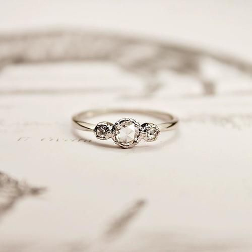 the perfect line: 45 Brilliant Wedding And Engagement Rings For Her