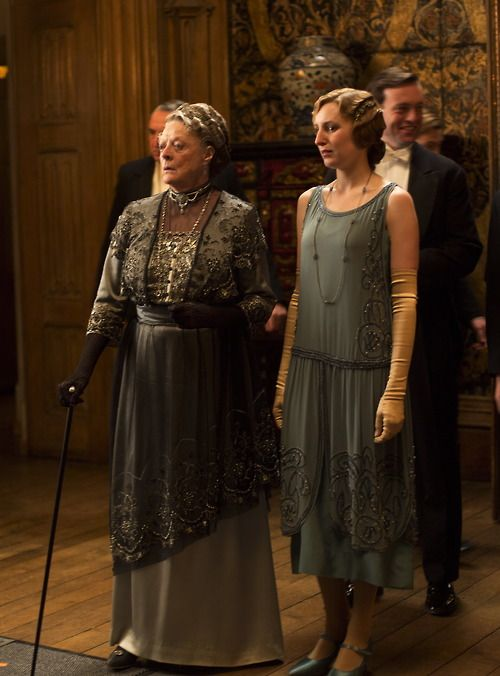 Maggie Smith as Violet Crawley, Dowager Countess of Grantham and Laura Carmichael as Lady Edith Crawley in Downton Abbey (TV Series, 2013).