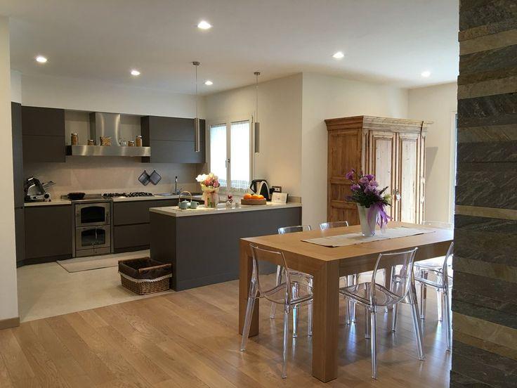 Cucina e sala da pranzo moderna sala da pranzo moderna for Pittura sala da pranzo
