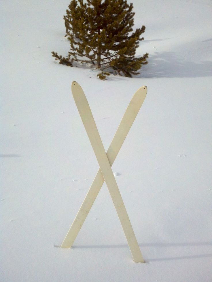 VintageWinter - 10th Mountain Division Downhill Skis