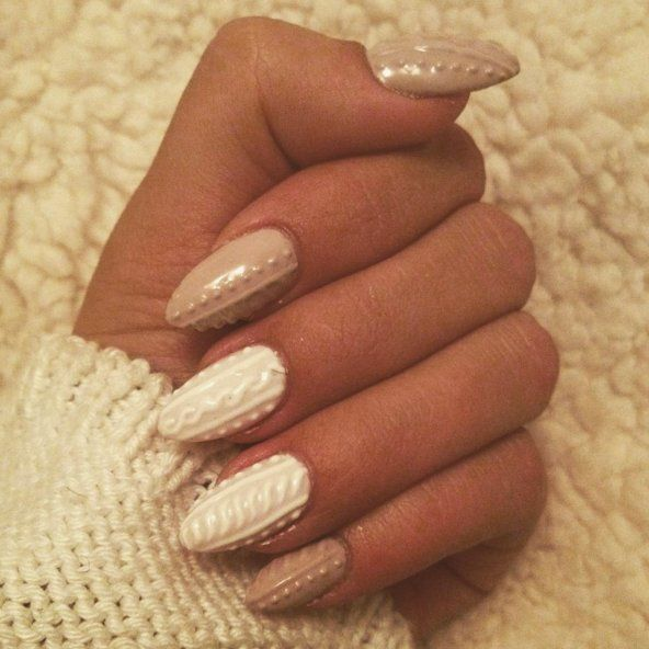 De+nieuwste+trend+in+de+nail-art+wereld:+Nagels+met+een+gebreide+look!