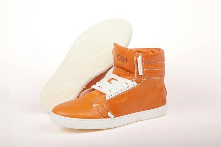 Biologisch afbreekbare schoenen. Te koop bij Eerlijk Waar in Amsterdam.  Gaaf!