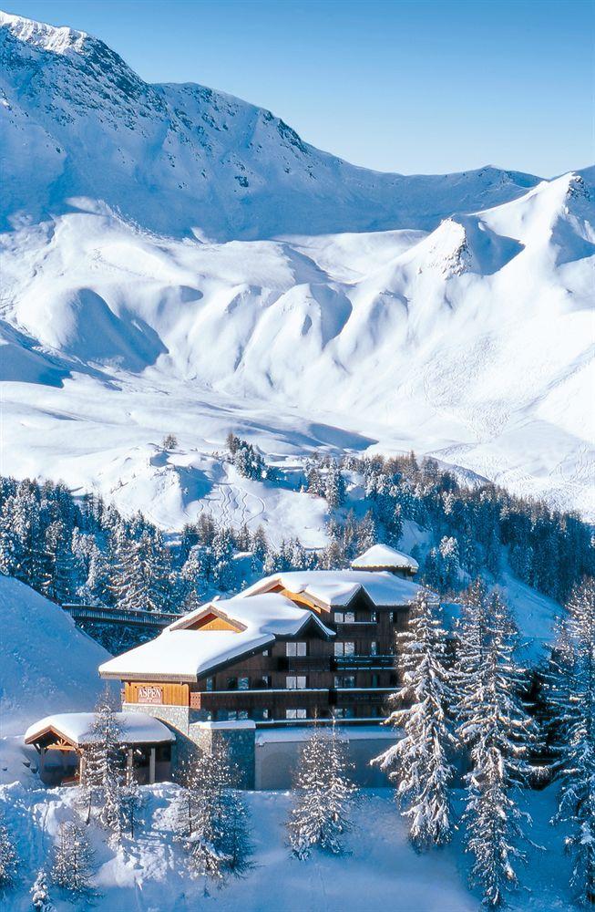 Ski Resort/Hotel in French Alps  ---    LAGRANGE Prestige Aspen - La Plagne in Macot-la-Plagne (Paradiski) is minutes from Paradiski Ski Resort and close to La Plagne Ski Resort. This 4-star residence is within the vicinity of Aime 2000 Ski Resort and Bellecote Glacier.    #LAGRANGEPrestigeAspen #MacotlaPlagne #SkiResorts