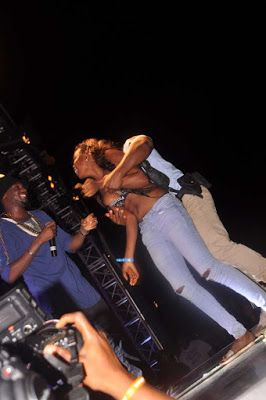 Sophia Steve            : SEE PHOTOS: Lady Strips for 2face in of his wife A...