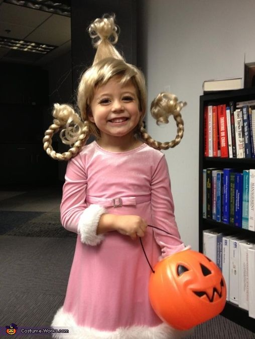 Cindy Lou Who Costume - the cutest costume! If I have a girl she is wearing this. Christmas at halloween. and then I'll hand out candy canes :D