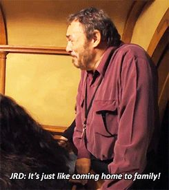 John Rhys-Davies visits the Hobbit set