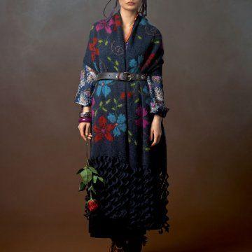 Etole en laine fleurie tricotée à la main avec franges ondulées