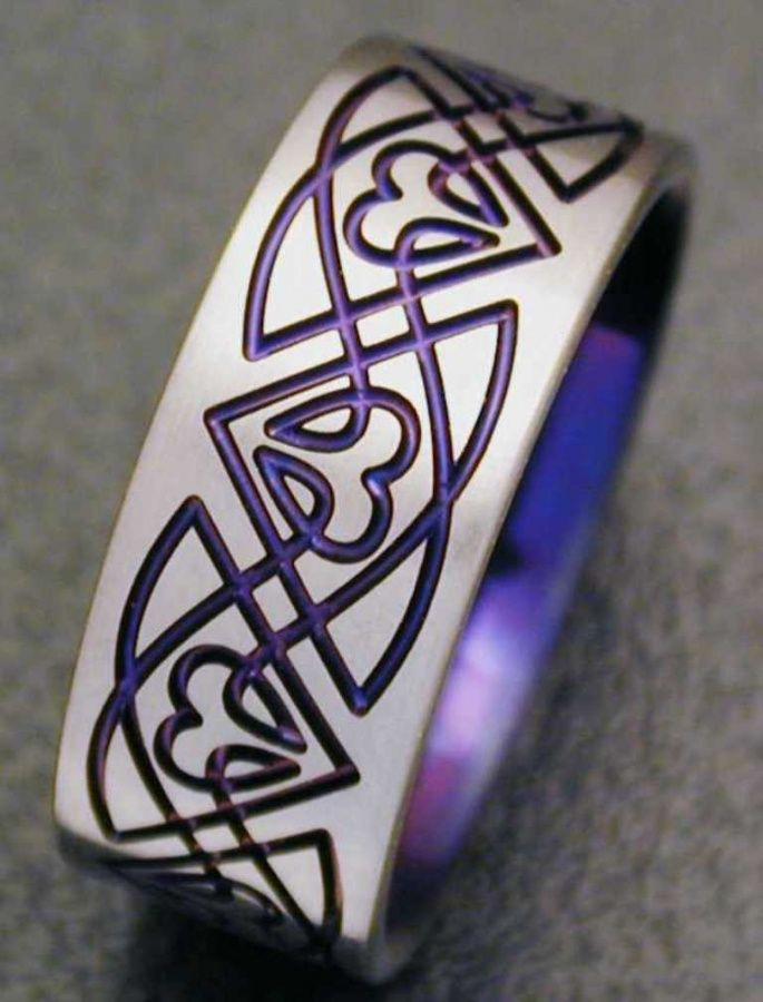 40 Unique & Unusual Wedding Rings for Him & Her ... CK08-Purple └▶ └▶ http://www.pouted.com/?p=32655