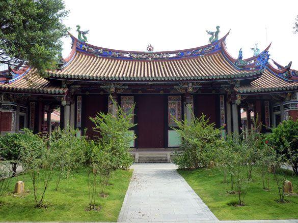 The exterior of the Yi Gate at Taipei Confucius Temple.     #Taipei #Taiwan #Confucius