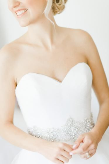 detail of beautiful bride