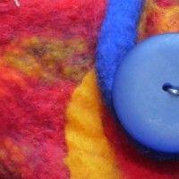 Vilten, waarschijnlijk de oudste techniek om textiel te vervaardigen, is weer in! Dit prachtige materiaal beschermd tegen kou, wind en regen. Het werd daarom, en wordt nog steeds, gebruikt door Nom...