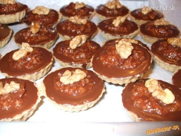 Plnené orechové košíčky - Recept