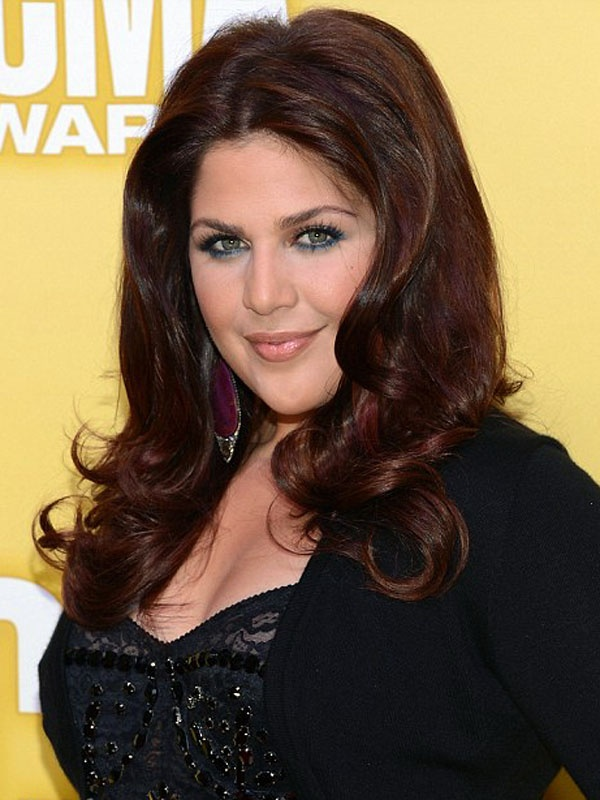 CMA Awards 2012: Hillary Scott http://beautyeditor.ca/gallery/cma-awards-2012-red-carpet-beauty/hillary-scott/