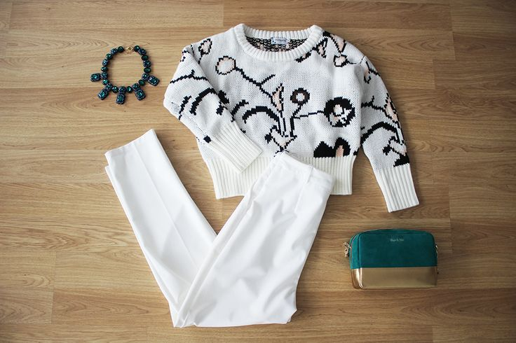 el blanco también es para el invierno! Crea tu look casual- chic en nuestras boutique parisina!   Jersey crop > http://www.colettemoda.com/producto/jersey-crop/