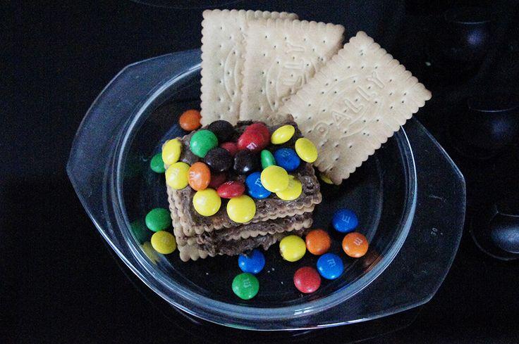 Koekjes met Nutella. De kids van Kirsten zijn gek op Nutella dus meestal als ze thuis komen met een vriendje of vriendinnetje bereidt ze dit eenvoudige recept.
