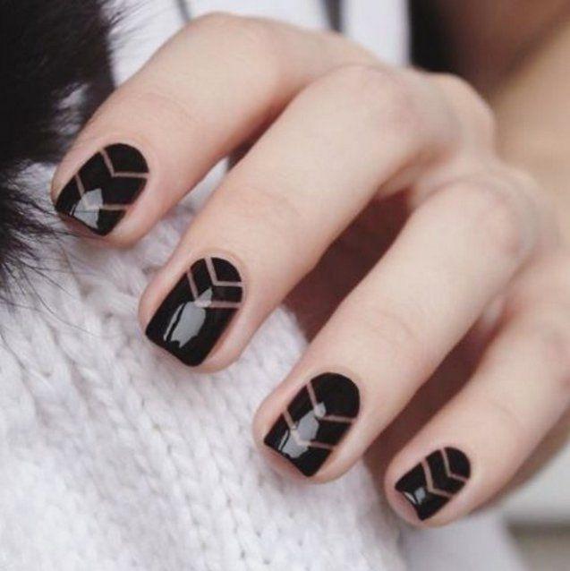 """Pin for Later: 25 schwarze Nageldesigns für eine elegante oder """"edgy"""" Maniküre"""
