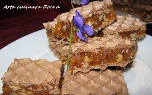 Retete Culinare - Prajitura cu nuci si foi de napolitane