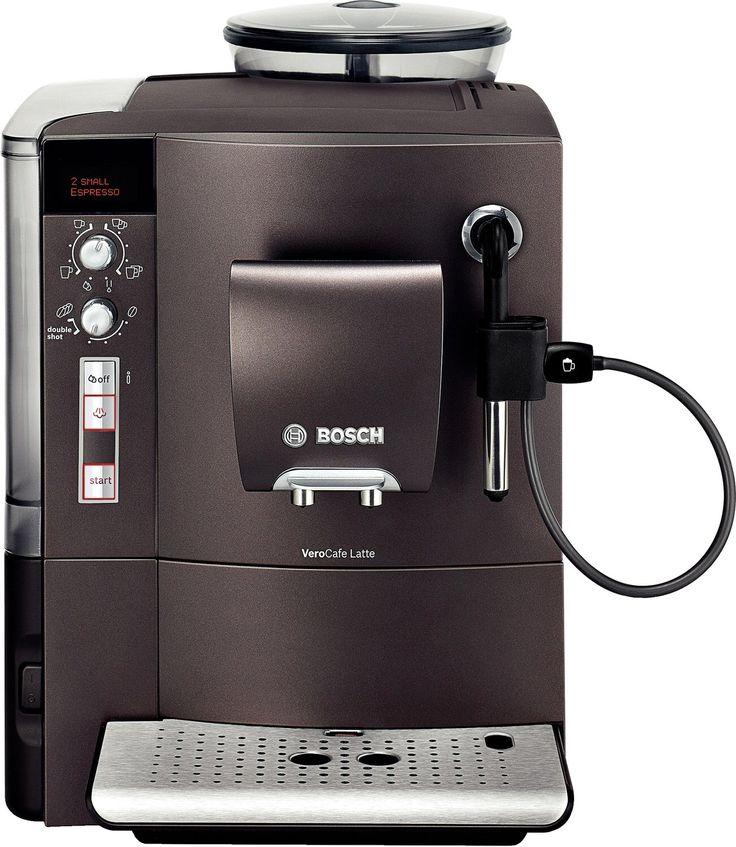 Kaffeevollautomat / Farbe: dunkelbraun / AromaDouble Shot Funktion / Text- und Grafikdisplay / Serie: Bosch VeroCafe / Getränketypen: Café Crème, Cappuccino, Espresso, Latte Macchiato, Milchkaffee / Tassen pro Brühvorgang: 2 / Füllmenge: 1,7 Liter / Fassungsvermögen Bohnenbehälter: 300 g / Komforteigenschaften: verstellbarer Kaffeeauslauf, Wassertank abnehmbar, Heißwasserfunktion, herausnehmbare Tropfschale / Ausstattungsmerkmale: Kabelstaufach, Vorbrühsystem / Milchsystem: Aufschäumer für…