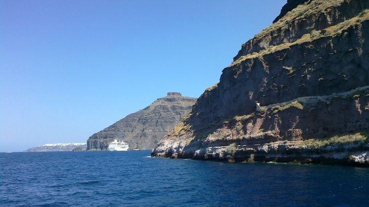 Dia 9. Excursión al volcán, Hot Springs y la playa de Perissa en Santorini - http://diarioviajero.es/grecia-greece/dia-9-excursion-volcan-hot-springs-y-la-playa-de-perissa-santirini/ #Grecia