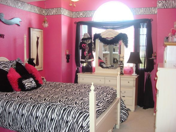 zebra hot pink room hot pink walls with zebra boarder and zebra bed