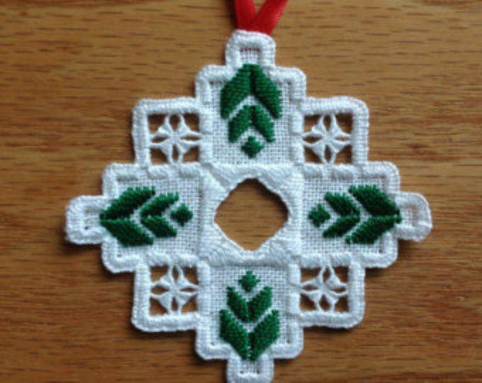 NUEVO 2013 Hardanger Holiday Ornament