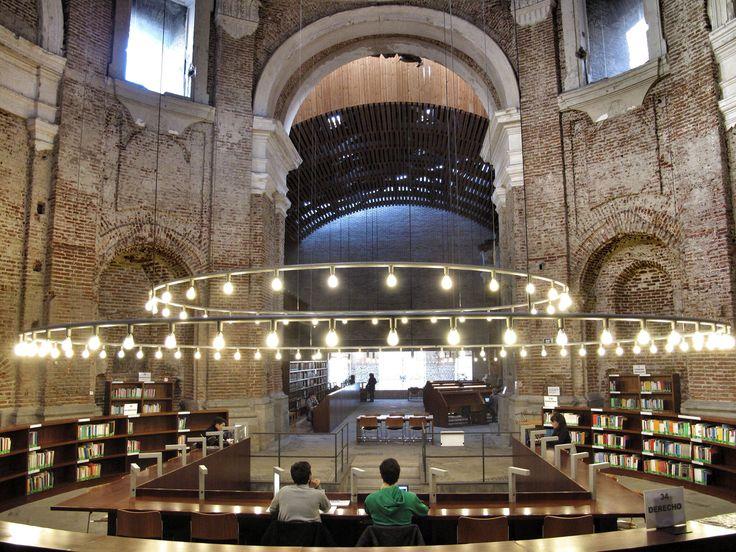 29 best yo irun images on pinterest libraries exterior for Uned madrid escuelas pias