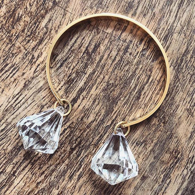 "• Meet our new bracelet ""Twila"" • 💕💎⚡️👉🏽 www.twininas.gr 👈🏽 #twininas #twininastales #ss18 #jewelry #cuffbracelet #acrylic #crystals #dropbracelet #newcollection #beautiful #bohemian #gold #metallic #cuff #bracelets #layeringjewelry #springsummer #instadaily #igdaily #fashiongram #stylegram #instafashion #instastyle #love #instajewelry #twininasathens #potd #ootd #jewelryaddict"