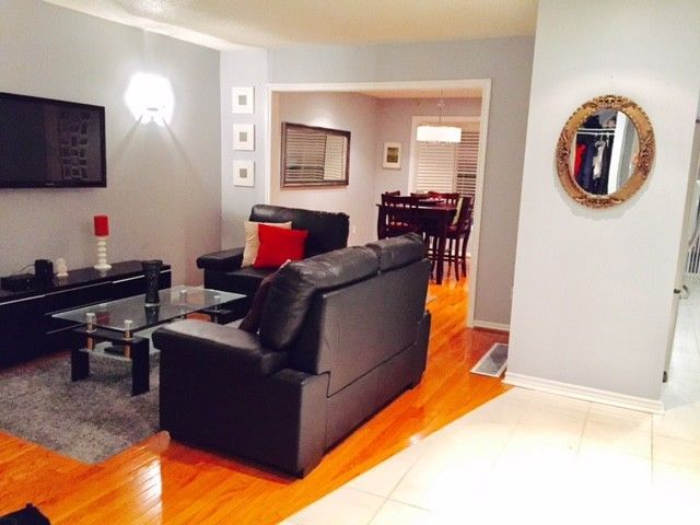 Big Room Close to Sheridan College – Internet / cable/ laundry / parking Included. Room is offered on the upper level of a newly upgraded CLEAN, well kept modern detached house We have hardwood floors though out, newly renovated kitchen, huge backyard! The bathroom will be shared with one...