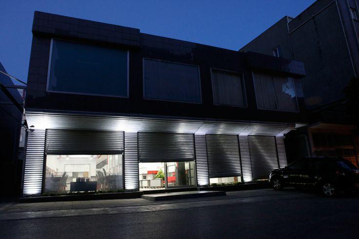 Meydan Mimarlık |Yeo Ofisi, facace desing for both day&night and