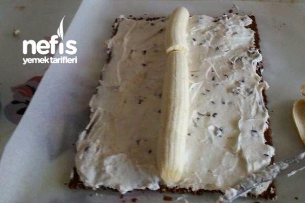Parfe Tadında Soğuk Piramit Pasta