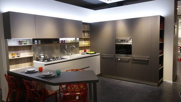 cucina angolare con bancone
