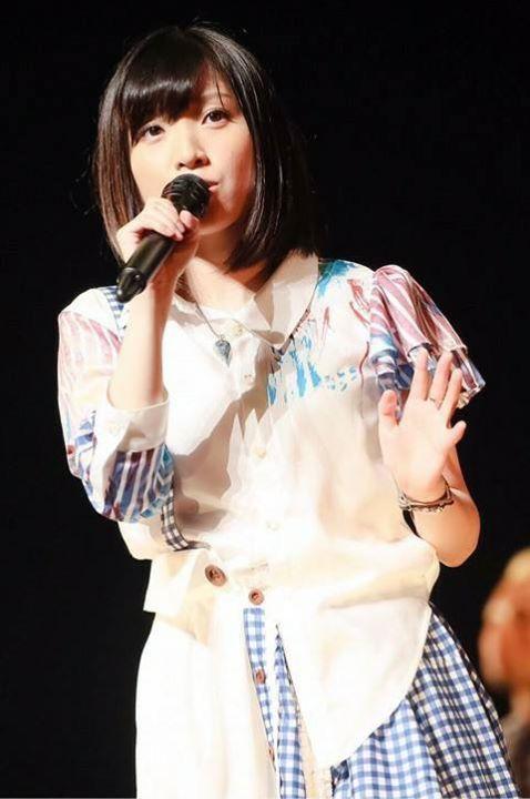 singing...momoka!