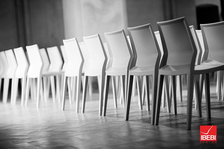 The perfect dining hall chair #indestructiblechair http://blog.ibebi.com/chairs/find-right-chair-dining-establishment/