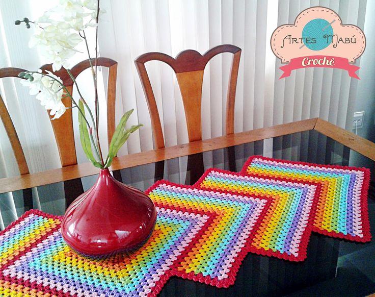 Luciana Ponzo Criações em Crochê: Caminho de Mesa Granny