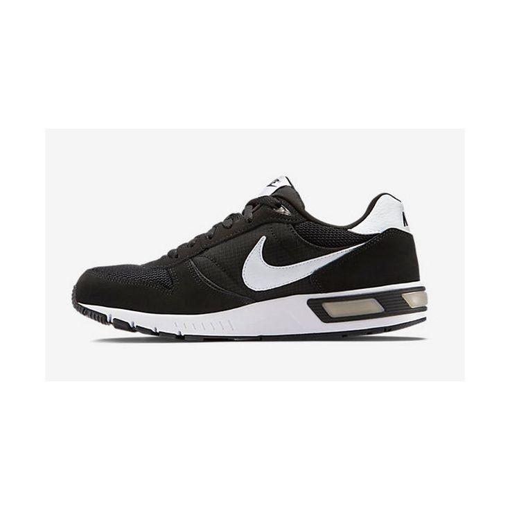 Zapatillas Nike Nightgazer con cámara, estilo retro y look deportivo. Lleva  la zona del