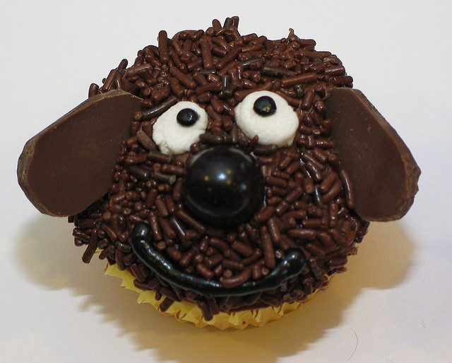 Ralph the dog cupcake by obiwanjr, via Flickr