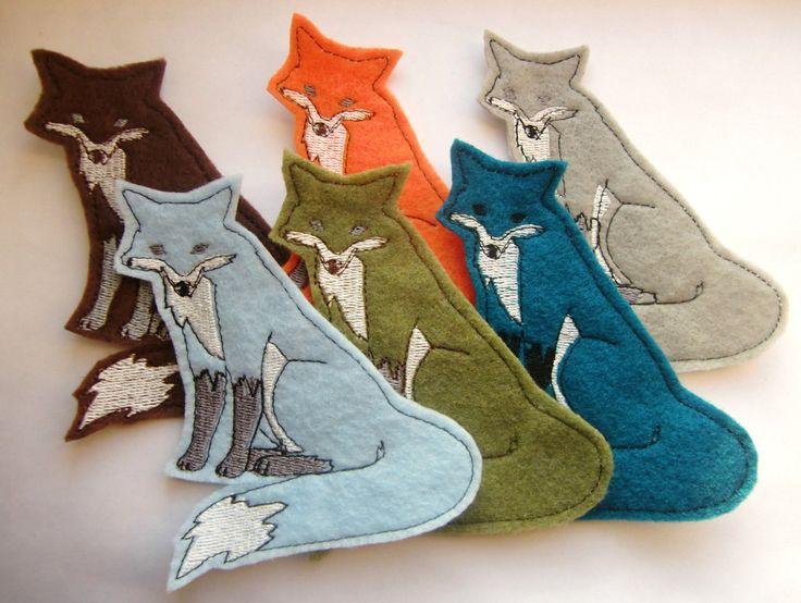 felt foxes