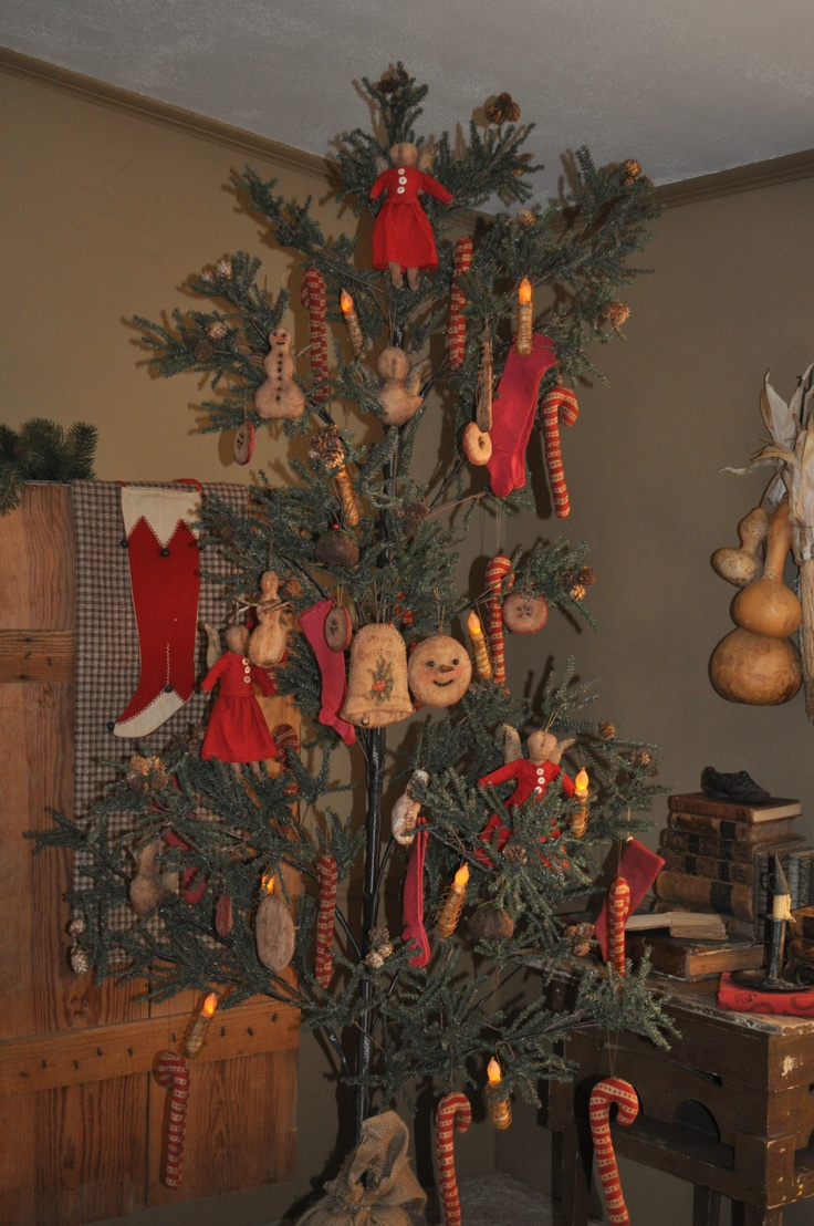 Primitive christmas ornaments - Christmas Tree With Our Ornaments Ready For Tonights Update At 6 00 P M Cst At