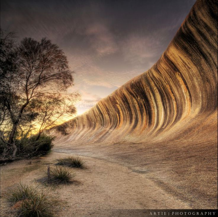 Wave Rock -Wave Rock is situated in Western Australia,a little less than a 4 hour drive from Perth