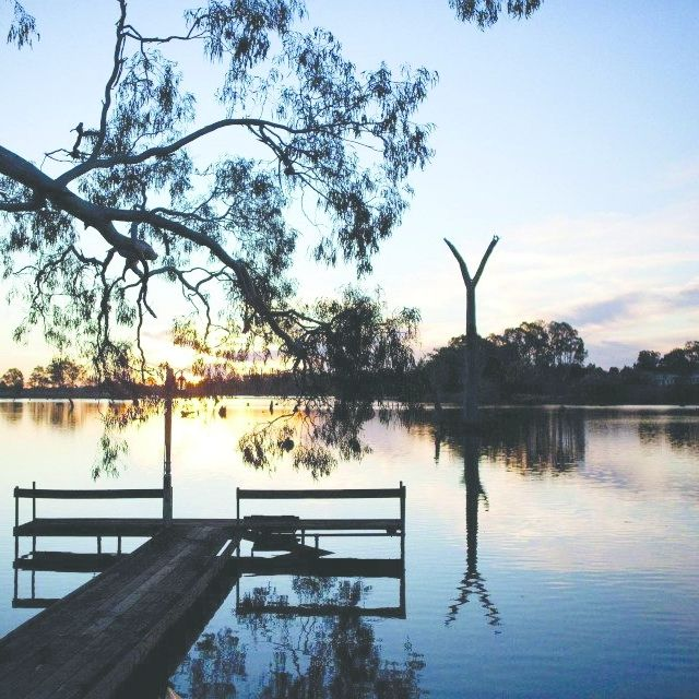 Spring makes it so much nicer to be out at dawn. Imagine yourself a hot cuppa and the lake to yourself... like this photo from The Boathouse at Nagambie. #visitheartofvic