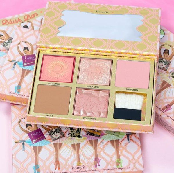 We are FREAKING OUT! Benefit Cosmetics is launching a super cute NEWBlush Bar Palette onThursday, 3.08!The LIMITED EDITION palette includes four blushes and a bronzer, 3 of which are prev…