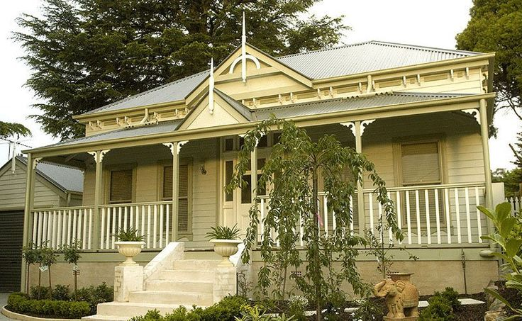 Harkaway Homes - Victorian Traditional - brick foundations and front steps