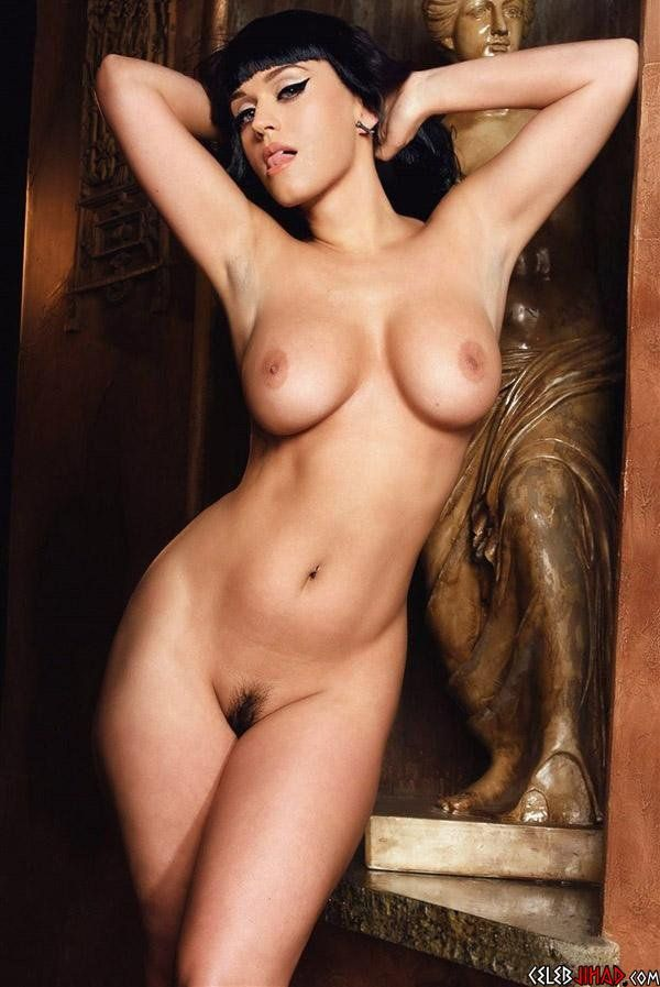 Katy Perry Fakes Naked