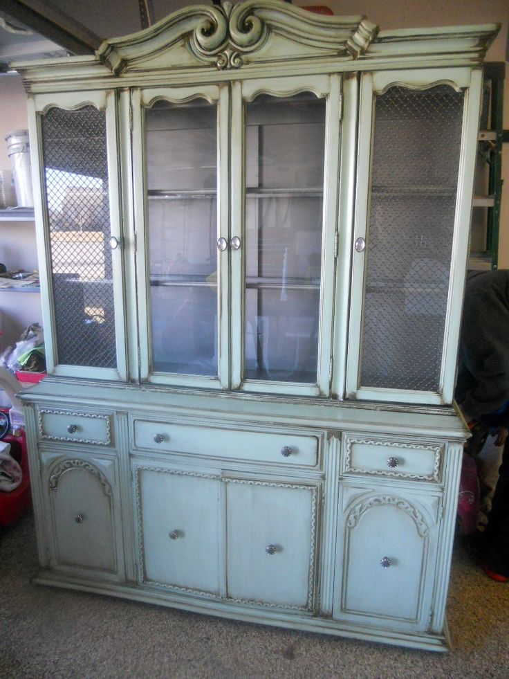 Old shabby chic hutch. Its up for sale!