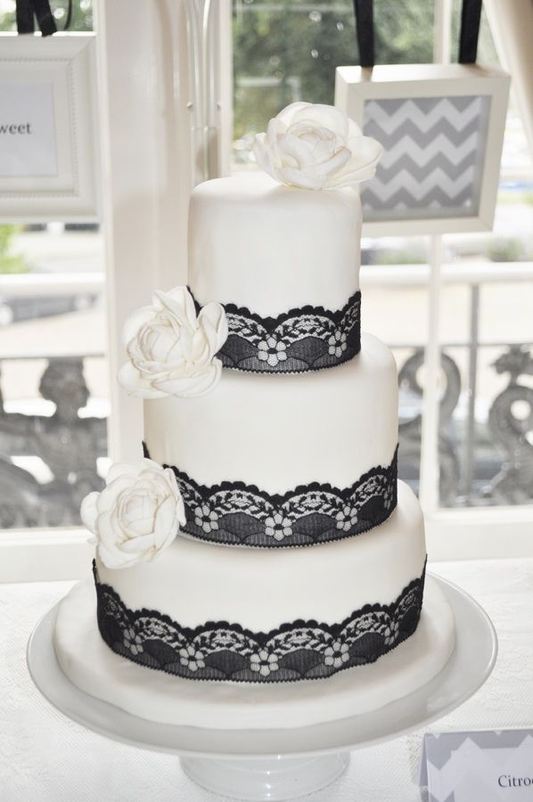 black lace wedding cakes 129 best black white wedding images on 11869
