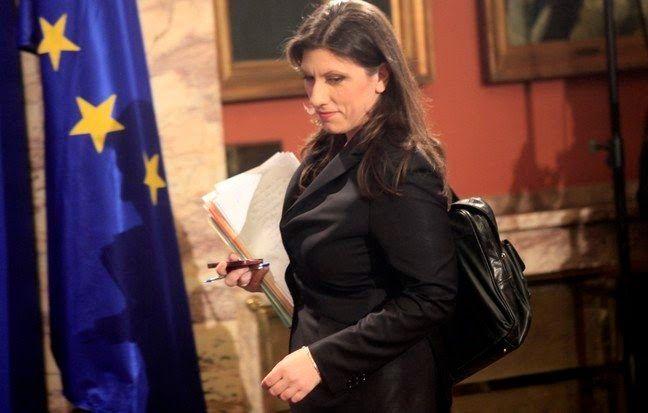 Κυβέρνηση: Δεδομένη η στήριξη στη Ζωή Κωνσταντοπούλου