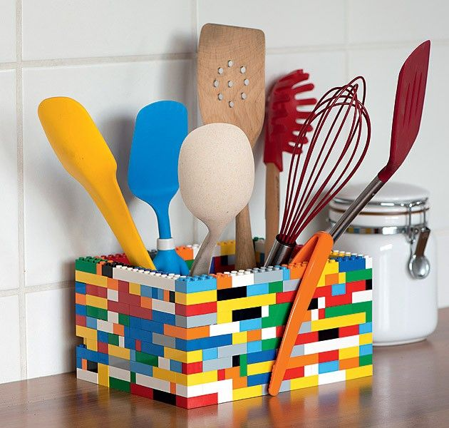 Está descontente com a decoração da sua cozinha? Com um pouco de criatividade, você pode inventar detalhes divertidos e exclusivos, que só você tem. Navegue pela galeria de fotos e veja as nossas sugestões