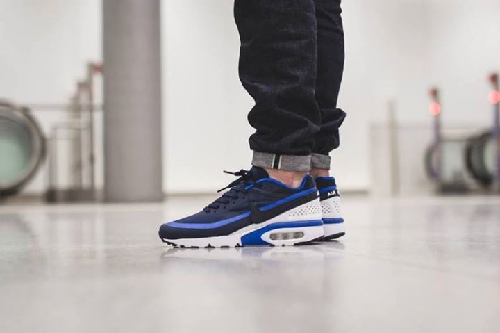 store air max bw on feet 3571e 0380b